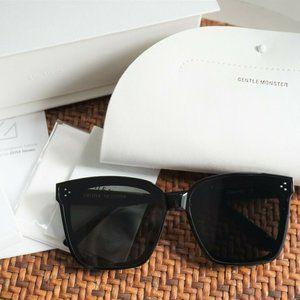 Gentle Monster Sunglasses DREAMER 17 01 in Black